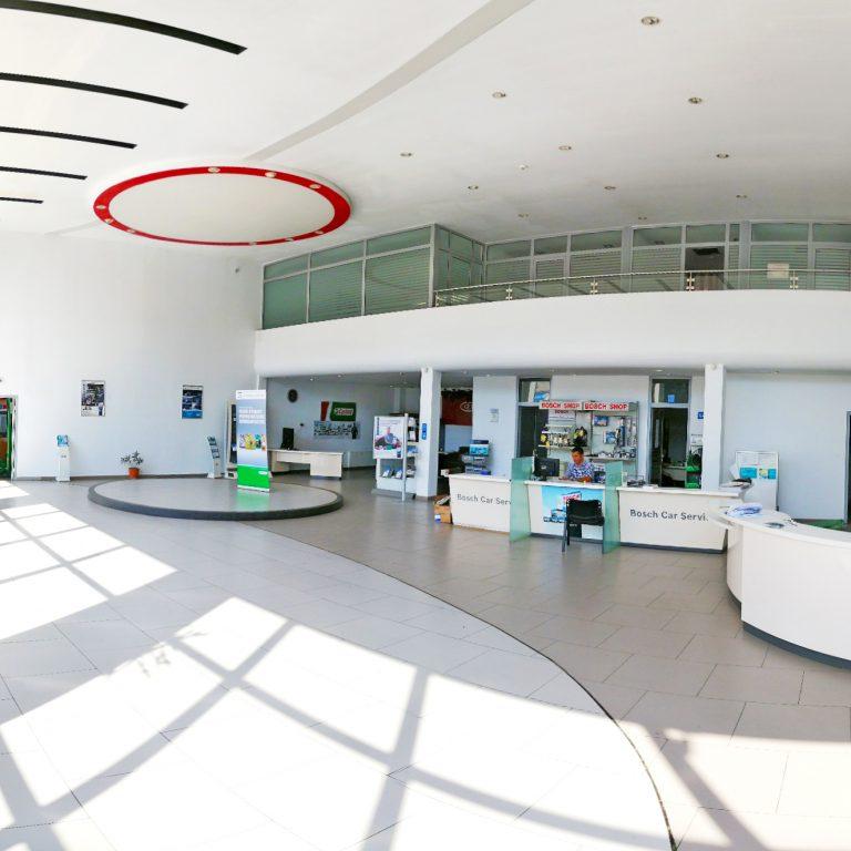 Interior Antares Motors 4